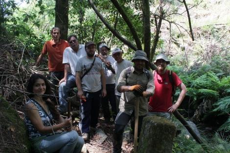 Alguns voluntários tinham de se ausentar pelo que se tirou aqui a foto dos participantes